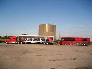 Click image for larger version  Name:kidrock tour bus.jpg Views:835 Size:12.0 KB ID:4177