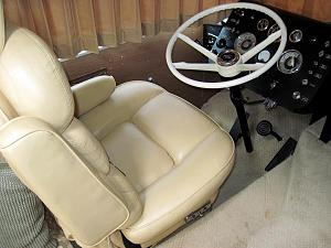 Click image for larger version  Name:driversseat.jpg Views:141 Size:70.2 KB ID:4121