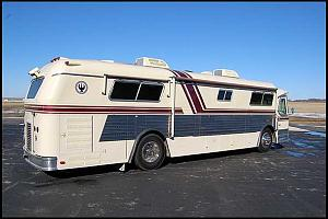 Click image for larger version  Name:1967 Custom Coach Champion Land Cruiser Passenger Side View.jpg Views:103 Size:26.4 KB ID:4511