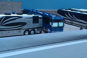 Click image for larger version  Name:Justin Biebers bus Neptune2.jpg Views:120 Size:17.9 KB ID:4091