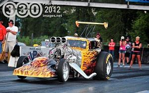 Click image for larger version  Name:ChrisM's Drag Car2.jpg Views:67 Size:58.3 KB ID:3978