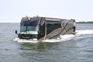 Click image for larger version  Name:worlds-first-luxury-amphibious-motor-coach-yacht-1.jpg Views:127 Size:39.7 KB ID:3184